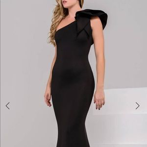 Jovani black fitted gown. Sue 6